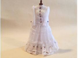 Romantic dress on mannequin - 1/12th